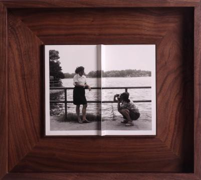 蔡东东《障碍》,2018,明胶银盐照片,42cm x 38cm (入围2008年首届三影堂摄影奖)