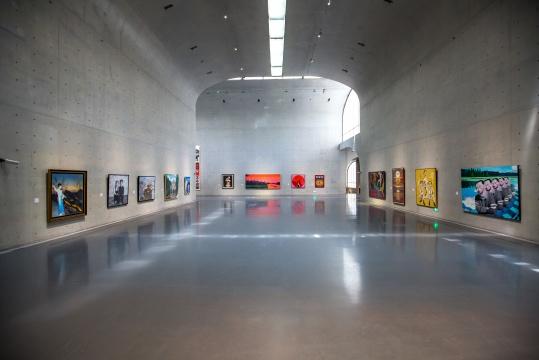 """龙美术馆西岸馆""""转折点——中国当代艺术四十年""""展览现场"""