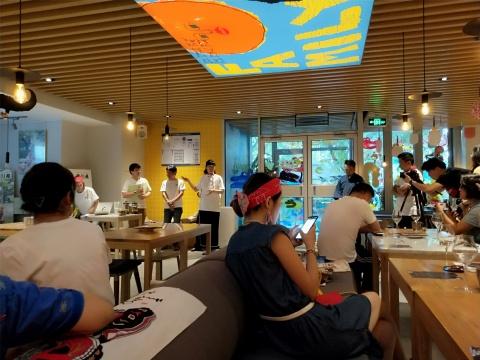 明明可以靠美食和美景出名的日本香川,偏偏还是当代艺术打卡胜地