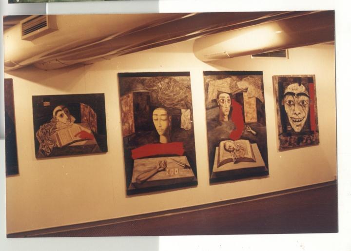 """1993年,香港""""后89现代艺术大展""""现场"""