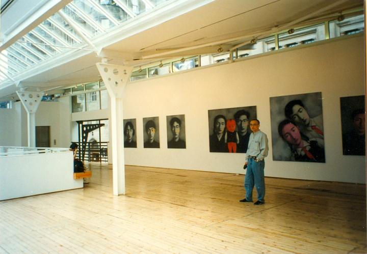 """1996年8月,英国爱丁堡Market艺术中心,""""追昔——中国当代绘画""""展"""