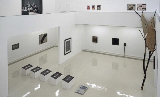 """偏锋新艺术空间第十一回抽象群展""""抽象,一种绘画修辞 中德艺术比较""""展览现场"""