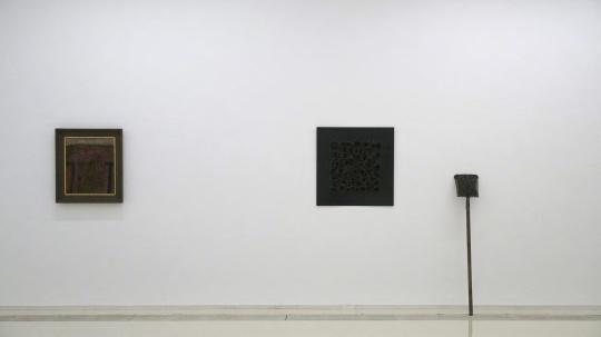 德国艺术家卡尔·弗雷德·达门作品(左)及王光旭作品(右)