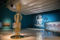 她赞助了威尼斯双年展中国馆,还把美术馆从CBD开到了年轻人的生活圈