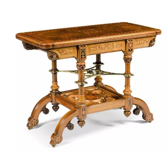 John Dibblee Crace《瘿木面镶花铜饰水晶翻面牌桌》73×99.5×49cm 1886 纽约佛瑞曼