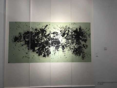 张大我 《踪迹水墨系列1998No.16》 136x70cmx4 纸本水墨、丙烯 1998