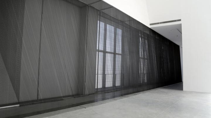 朱小地 《容迹》 10×10×14m(装置)、205×201cm×8(水墨) 2017-2018