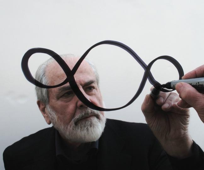 曾获威双金狮终生成就奖,贫穷艺术先驱皮斯特莱托的镜面诗学