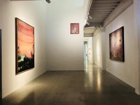 (中间)徐赫 《愤怒的荷马》 73x60cm 丙烯、油菜 2015