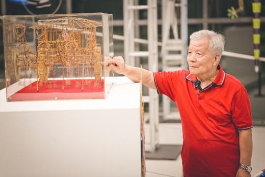 民间艺人张天伟和他的铜车马风筝