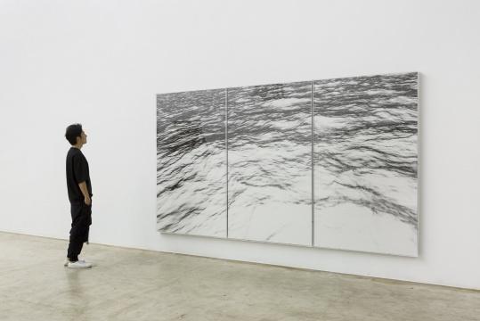 《海面-格林童话》354cm x 200cm x 2 小说页面上素描,收藏级艺术微喷 2017~2018
