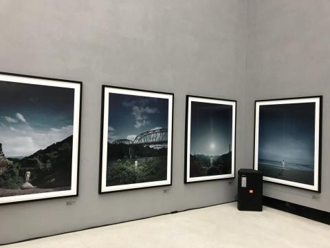 在红砖美术馆,探讨安德里亚斯·穆埃摄影中的德国历史与德国性