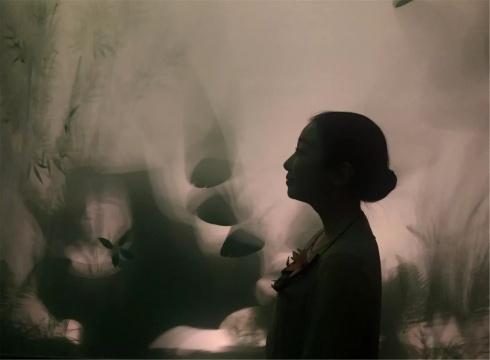 朱建非的灯光装置《隐匿之境》