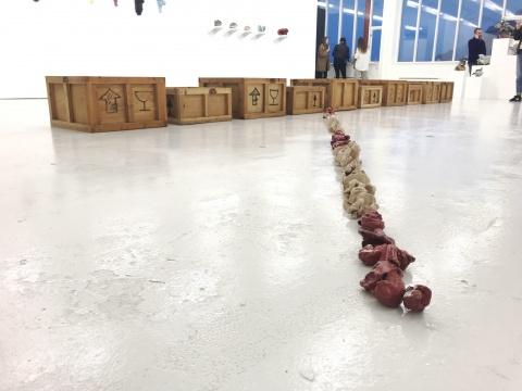 中国艺术家陈小丹作品《盛开-线系列,作品10号》5×5cm×500 红瓷,白陶 2007