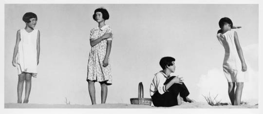 植田正治,《少女四态》,1939年