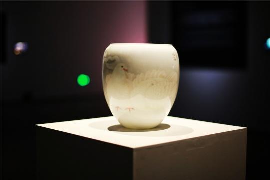 """李遊宇 汉光瓷瓶""""太平日子"""""""