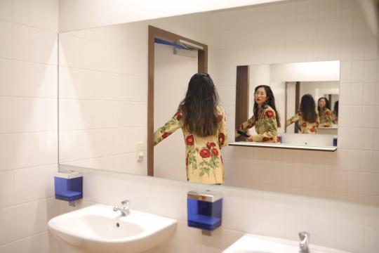 """莫瑞吉奥·卡特兰×Gucci   用17个房间全方位重新定义""""复制"""""""