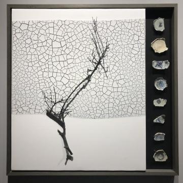 《冬》124×124cm 木板大漆、青铜、明清瓷片2018