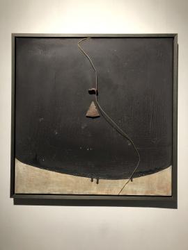 《消逝的岁月》124×124cm 楼兰古城陶瓷片、木板大漆、金属丝2018