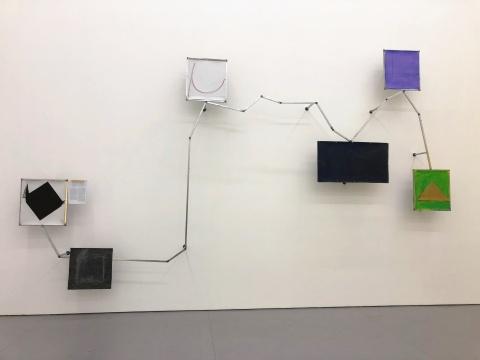 从左至右 马列维奇的黑色方块和谢杰瑞的《少数人如何影像主流意识》准静态分布图1-2、  《达克效应患者》、《长江》、《超乎想象的高/低回报率》、《山》