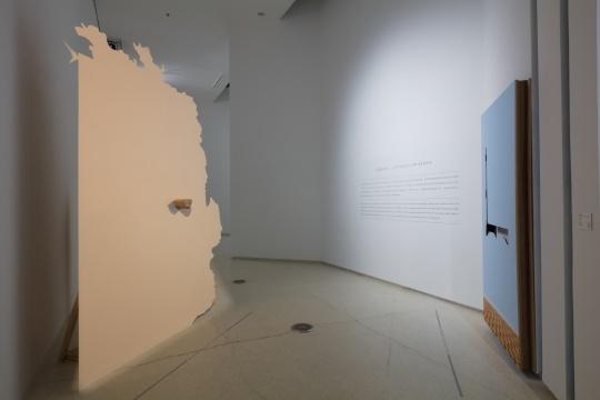 """红砖美术馆开幕""""仪礼·兆与易""""  在真实与虚幻中 诱发一场""""灵""""与""""感""""的追思"""