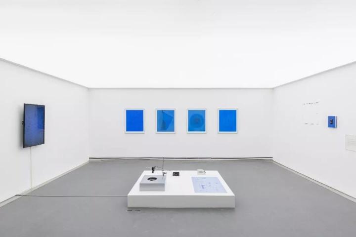 """2017年""""回路——2000年以来的西南影像实验""""展览现场"""