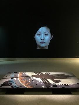 唐钰涵的影像作品《回春像》及《无题》