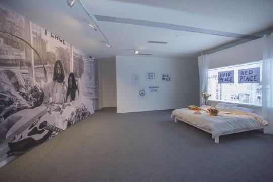 """小野洋子和约翰•列侬,""""床上和平"""""""