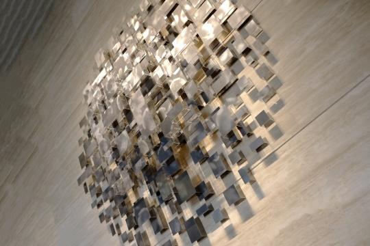 邬树楠 《呼吸》 2200 x 2200 mm艺术装置,铝板印刷 2018©KCC ART,LCM置汇旭辉广场