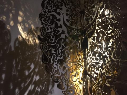 """《白日梦的森林》的形象来自于古代神话中四川地区汉代流行的""""摇钱树"""""""
