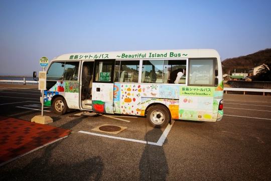 丰岛上的接驳车 ©何海洋摄_瀚和文化提供