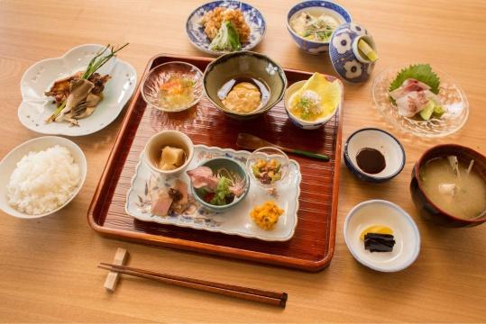 本届新作预告-艺术与美食结合-小豆岛创意乡土料理_濑户内国际艺术节组委会提供