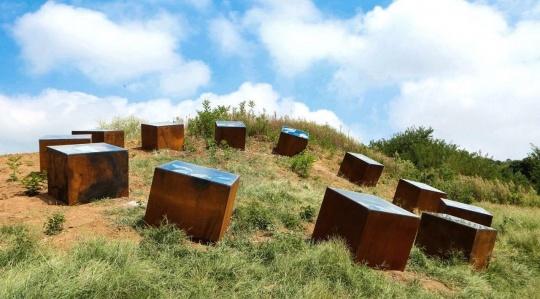 闫占城作品《装在盒子里的时间》