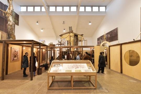当代唐人艺术中心,将陈彧君的作品展引入两个完整空间