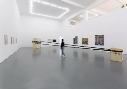 空白空间,展示刘诗园最新录像、装置、绘画及摄影作品