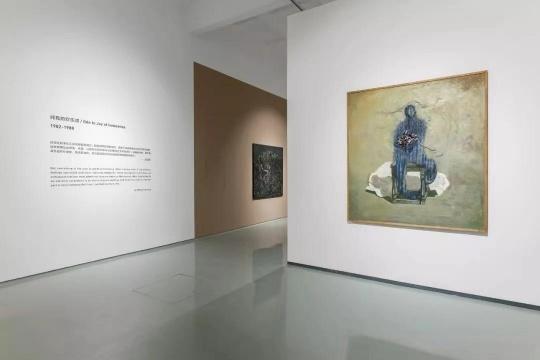 """蜂巢当代艺术中心,呈现了""""八五新潮""""运动中不可或缺的艺术家——王焕青的作品展"""