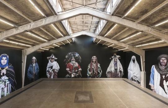 常青画廊,法籍摩洛哥摄影师利拉‧阿拉维(巴黎,1982-2016年)在中国的首次个展,她因一场布基纳法索的恐怖袭击而丧生
