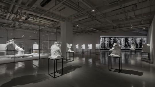 展览现场最核心作品《雕塑工厂》