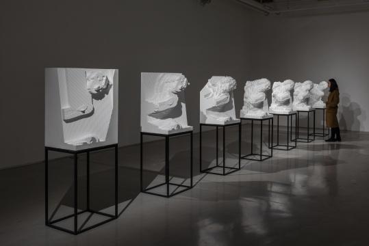 《普洛舍宾娜》系列雕塑 80×55×45cm(每件) 高密度聚丙乙烯泡沫塑料块 2018-2019