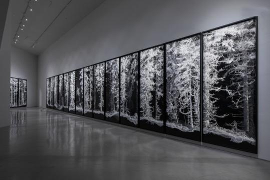 《遗存》360×140cm(每张) 系列数字微喷多张联画 2018