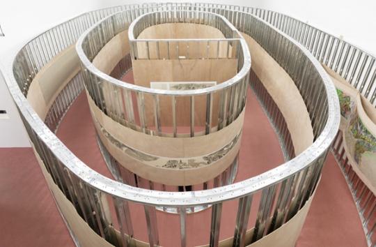 展览俯视图,整个现场如同迷宫