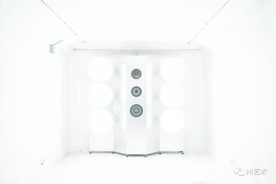 """""""张鼎:安全屋"""",掩体空间展览现场"""