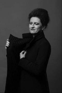 格拉齐娅·夸罗尼 Grazia Quaroni 卡地亚当代艺术基金会收藏部主任