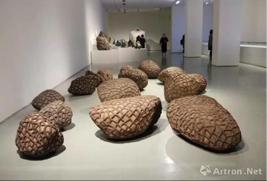 """""""根茎""""中国当代艺术自主性研究展现场"""