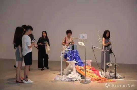 """""""中国当代艺术年鉴展2017""""展览现场"""