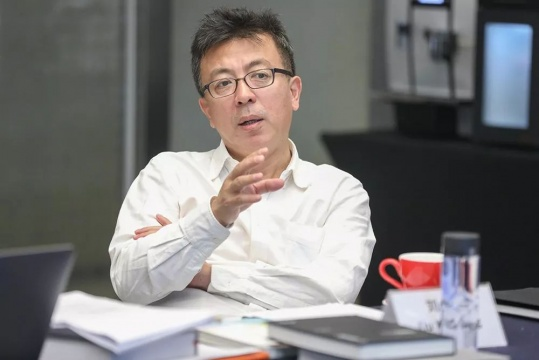 """""""第13届AAC艺术中国""""评委:当代著名画家、中央美术学院油画系教授 刘小东"""