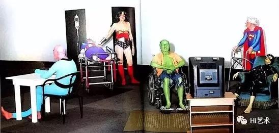 吉勒·巴比耶作品《疗养院》2002 1994年,吉勒·巴比耶的作品入选巴黎L'ARC举办的群展,从此登上了国际舞台。他的创作类型包括雕塑、绘画、照相和模塑等等,其作品大都以大型装置为主。吉勒·巴比耶的灵感通常来自漫画、科学、 科幻、绘画和哲学。他本人反对逻辑性思考,并且喜好质疑真理。 《无题(第二个幻象)》 123×378 cm 纸上黑色水粉 2007