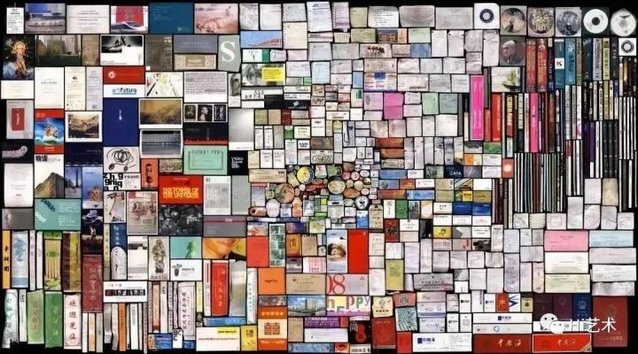 《我的东西-结算(上)》 2008  洪浩是一个把社会关系和形式理解为自我意识延伸的艺术家,他发展出了一种特殊的自我认识艺术形式。早期作品以版画《藏经》系列而广受关注,后以其风格独特的扫描形式影像《我的东西》系列等获得世界广泛认同。 他的创作素材通常有地图、书籍、票据、旧物、生活用品等常见物,以手工制版、扫描及印刷为主要方法,使我们重新认识事物和当代生活。