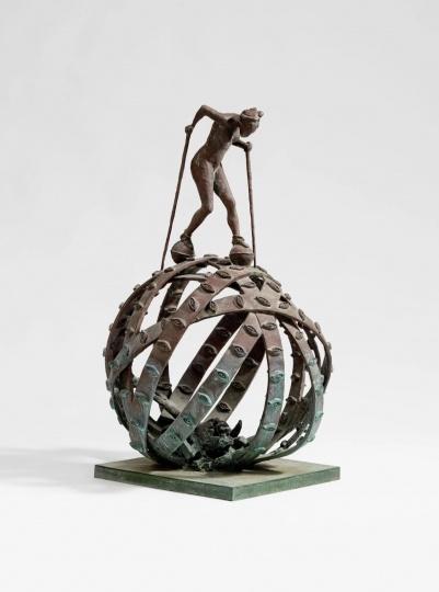 约尔格·伊门多夫《球上的女人》高度107cm 青铜,总共2件,2号作品 1989