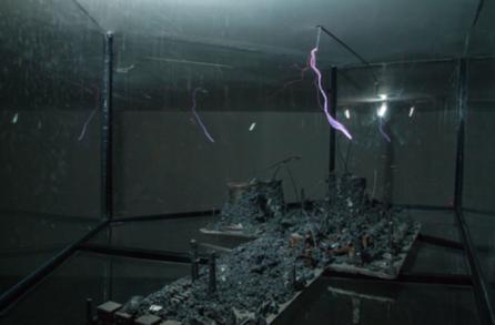 《崩溃的能量 No.1》 120x54cm 铁,磁石,综合材料 2019